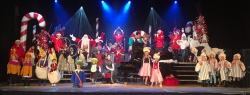 Merry Christmas joyful Rochester crowd!! Those Geese A'Laying shook their tail feathers perfectly!! Thank you children for helping us tell our 12 Days Of Christmas tale!!