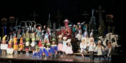 Merry Christmas Sioux Falls!! What a joyful evening Santa had in Sioux Falls telling his Twelve Days Of Christmas tale with all those talented kiddos!! That sweet little Partridge In A Pear Tree just happened to be a niece of Santa's elf, Michelf!! Those Swans A Swimming were such fabulous swimmers also! Ho, ho, ho Happy Holidays Sioux Falls! See you next year!!!